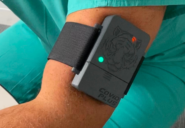 FDA clears first AI device to spot hidden signs of COVID-19