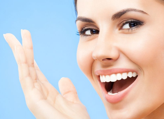 4 Foods That can Naturally Whiten Your Teeth